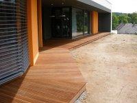 Exotická dřevěná terasa z massaranduby.