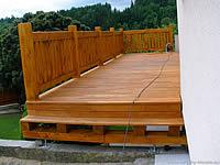 Dřevěná terasová prkna z akátu
