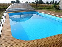 Akátová terasa okolo bazénu včetně posuvných kolejnic pro přístřešek bazénu.Akátová terasová prkna