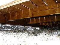 Podkladní rošt pod terasou z hranolů.