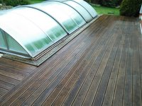 Dřevěná terasa ze sibiřského modřínu již po povrchové úpravě terasovým olejem