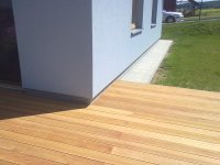 Dřevěná terasová prkna z garapy