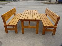 Zahradní nábytek DAVID je vyrobený z masivní borovice