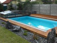 Terasa kolem bazénu ze sibiřského modřínu