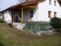 Takto vypadá dům před pokládkou terasového prkna z massaranduby
