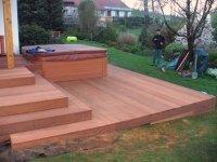 Dřevěná terasa z massaranduby dodá exluzivní vzlhed Vašemu domu a zahradě.
