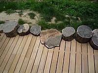 Detail montáže akátové terasy.