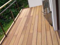 hladká terasa z exotické dřeviny garapa