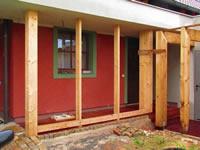 Exotické dřeviny jsou vhodné na balkóny, terasy, k bazénům atd..