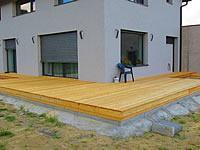 Dřevěná terasa ze sibiřského modřínu, natřená terasovým olejem